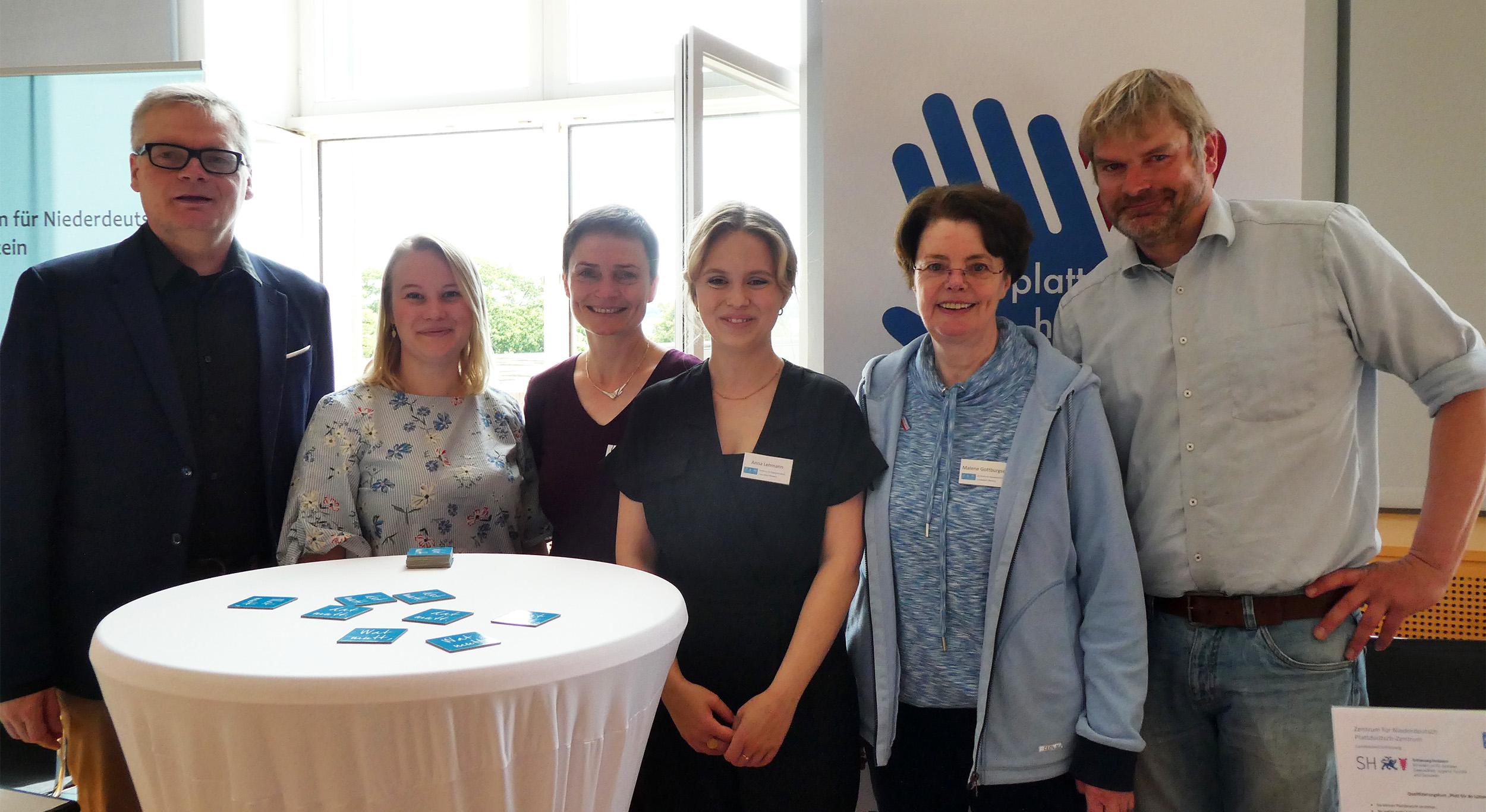 Thorsten Börnsen, Ronja Kilian, Gesa Retzlaff, Anna Lehmann, Malene Gottburgsen (vun links na rechts)